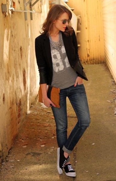 black blazer grey print tee cuffed jeans