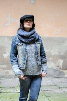 black flat cap grey sweater denim jacket