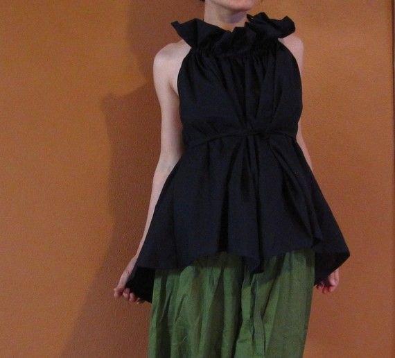 black ruffle tunic top green pleaded culottes