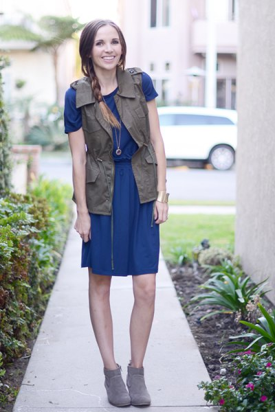 blue t shirt dress cargo vest