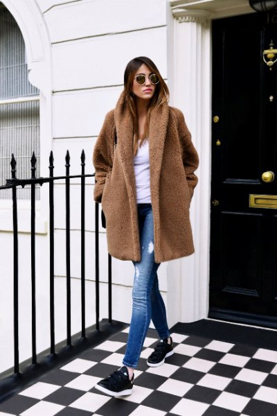 brown teddy coat ripped jeans sneakers