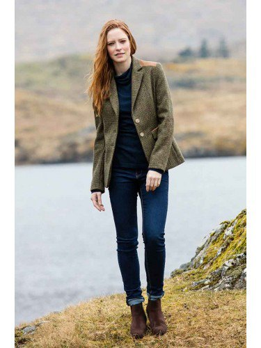 green tweed jacket women outfit