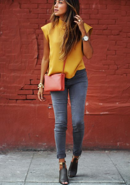 grey skinny jeans yellow sleeveless blouse