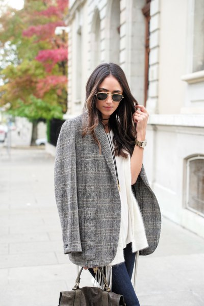 oversized tweed blazer white cardigan jeans outfit