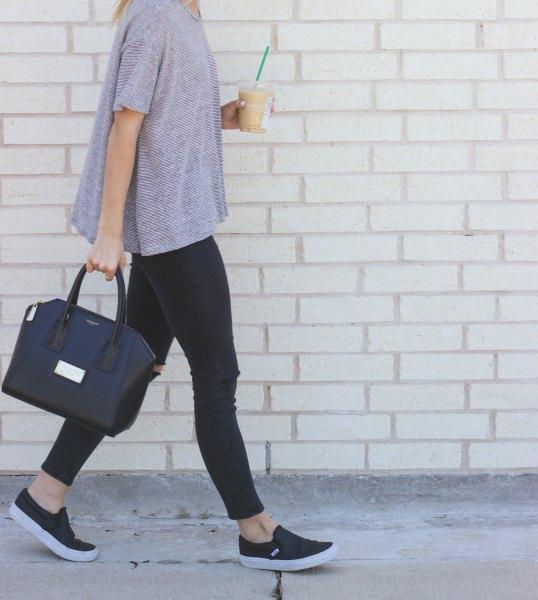 short sleeve grey sweater leggings black leather sneakers