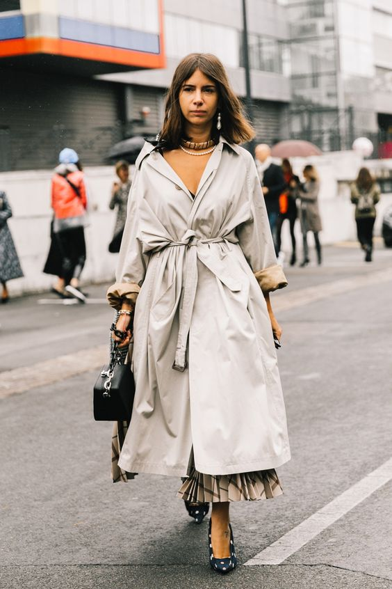trench coat oversized pleated skirt