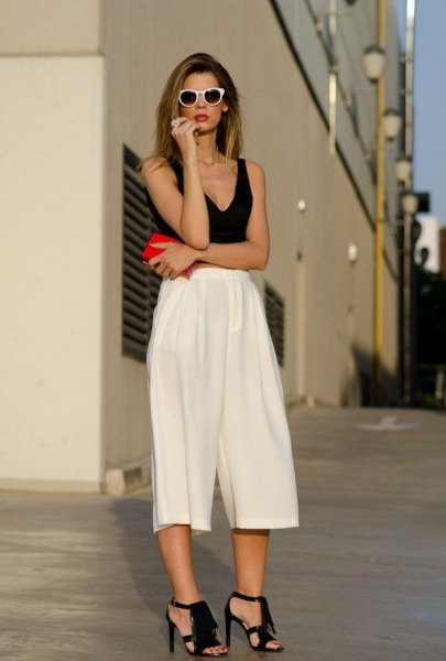v neck tank top white pleaded culottes
