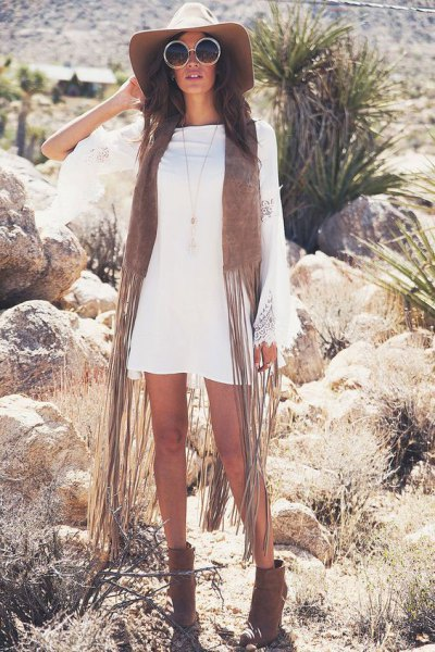 white long sleeve shift dress green faux fur fringe vest