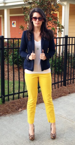 yellow jeans white top navy blazer