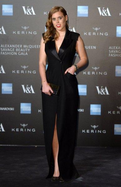 black sleeveless maxi tuxedo dress