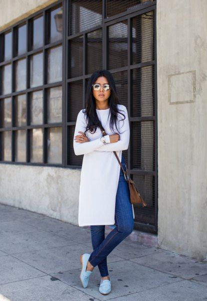 blue jeans white tunic dress with slit