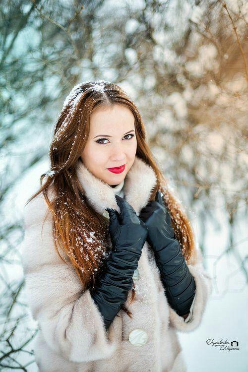 long black gloves faux fur coat