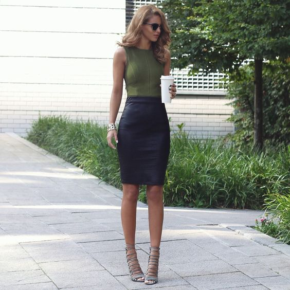 bandage skirt office look