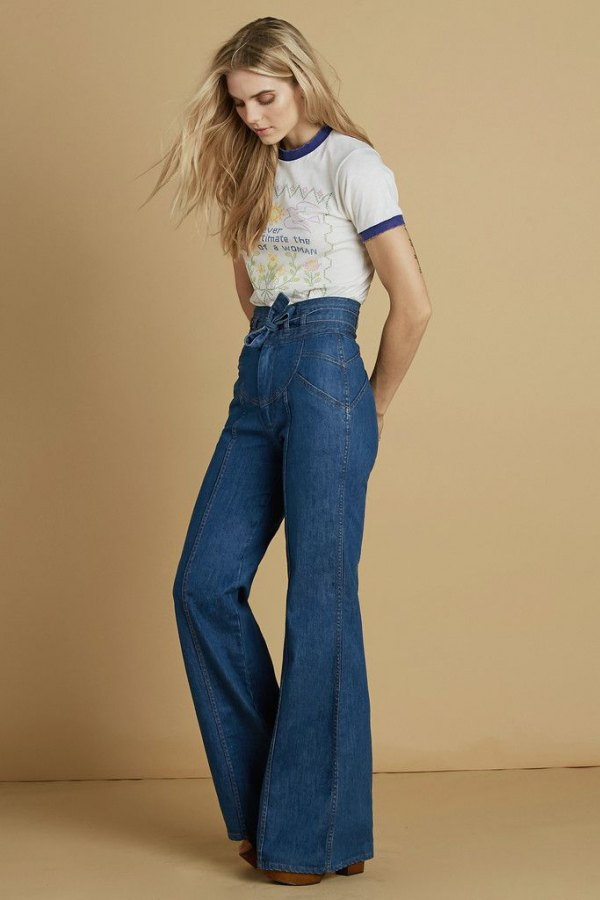 How to Style Bell Bottom Jeans: Outfit Ideas for Women ...