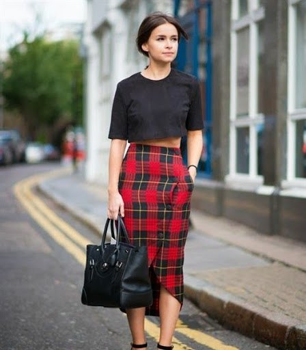 black cropped t shirt midi red plaid skirt