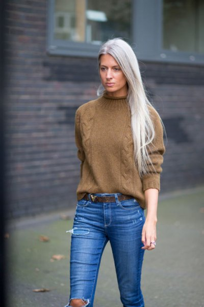 green chunky mock neck knit sweater skinny jeans
