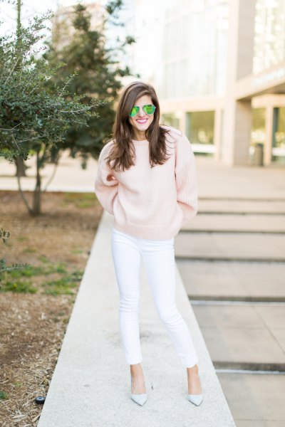 pink knit sweater white jeans