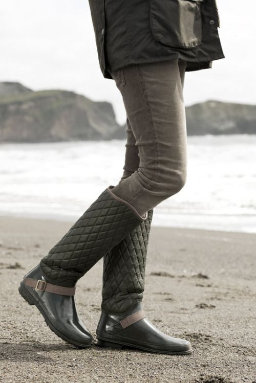 quilted boots green grey
