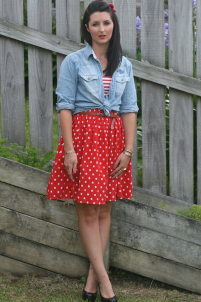 red pleated polka dot skirt knotted chambray shirt