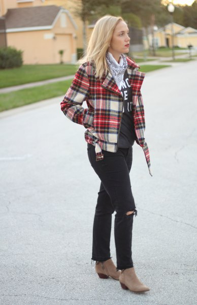 red white navy plaid jacket grey print tee