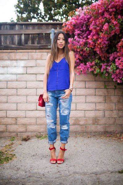 royal blue vest top boyfriend jeans red open toe strappy heels