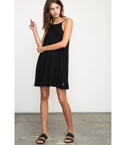 swing dress black sandals
