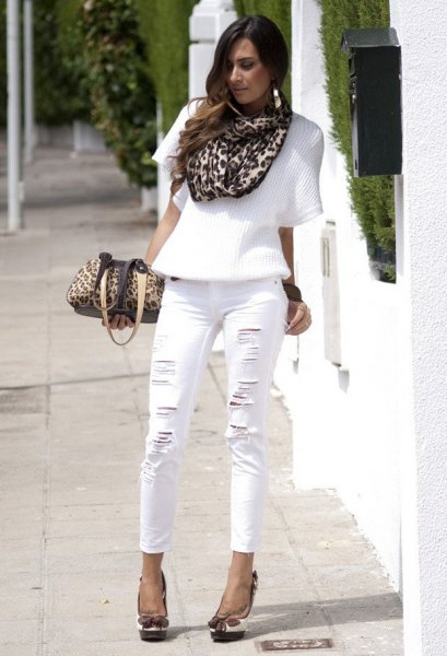 white short sleeve top cheetah scarf