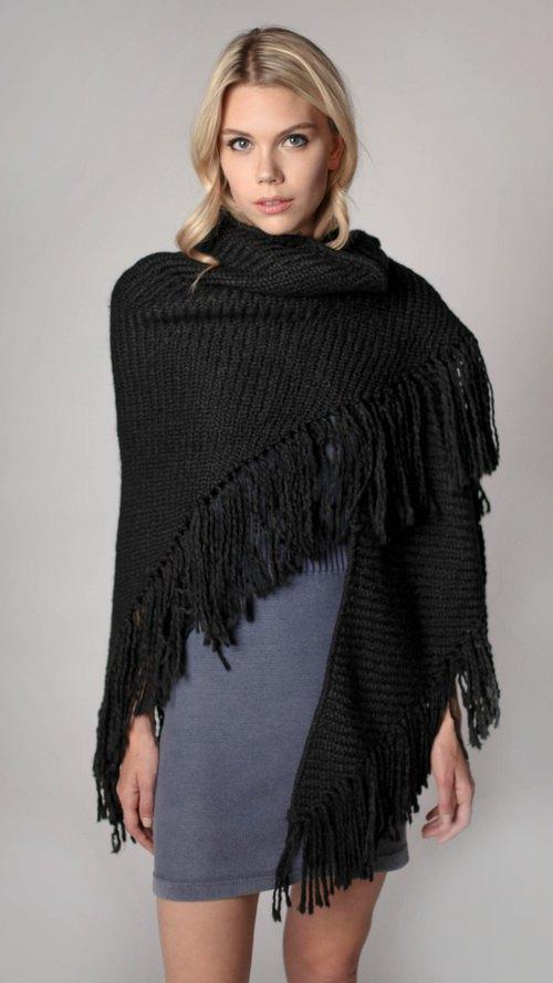 ae7d064fc3a4 How to Style Black Shawl  15 Feminine Outfit Ideas - FMag.com