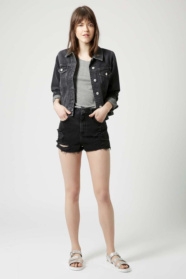 50b857038 How to Wear Black Ripped Shorts: 15 Stylish Outfit Ideas - FMag.com