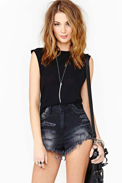 black sleeveless top silver long necklace