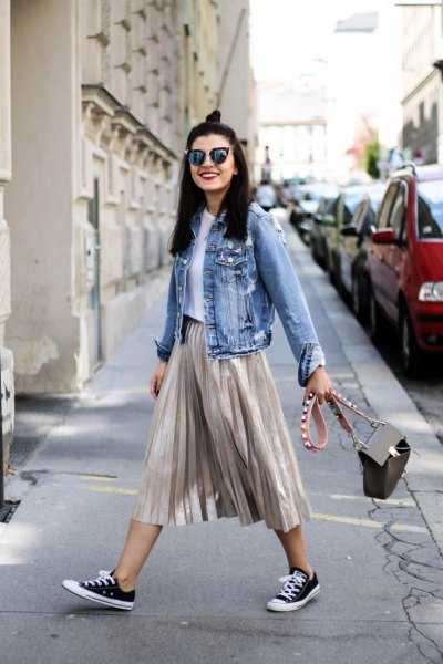 blue denim jacket low top sneakers
