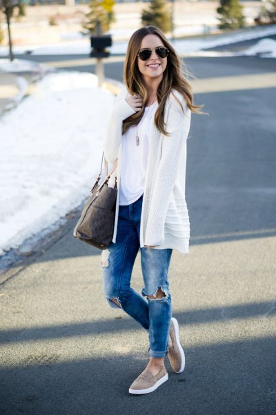 grey slip on shoes white cardigan jeans