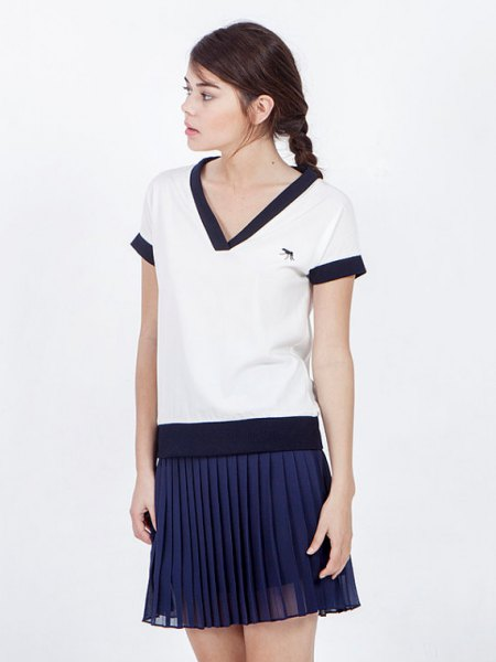 white and navy sailor t shirt pleated mini skirt