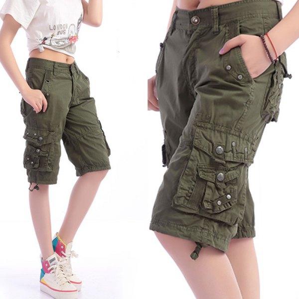 white knotted print tee knee length khaki cargo shorts