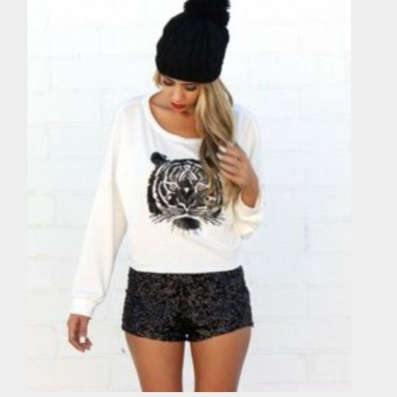 white printed relaxed fit sweater black shorts