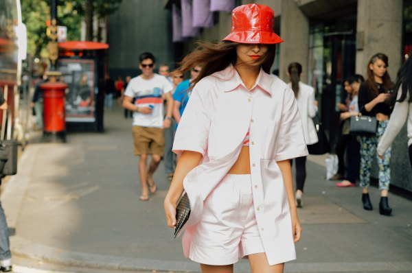 best bucket hat outfit ideas