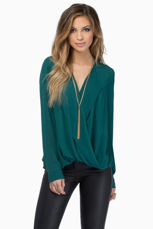 8a1a602c3dc How to Wear Teal Shirt  15 Feminine Outfit Ideas for Ladies - FMag.com