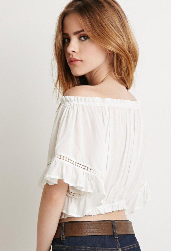 1a0b2918b6d How to Wear Off The Shoulder Peasant Tops  Outfit Ideas