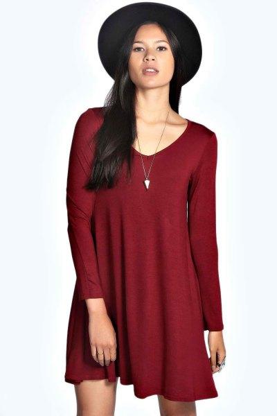 burgundy swing dress with black felt hat