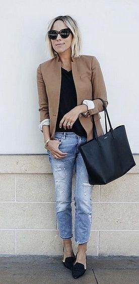 camel blazer with black v neck t shirt boyfriend jeans