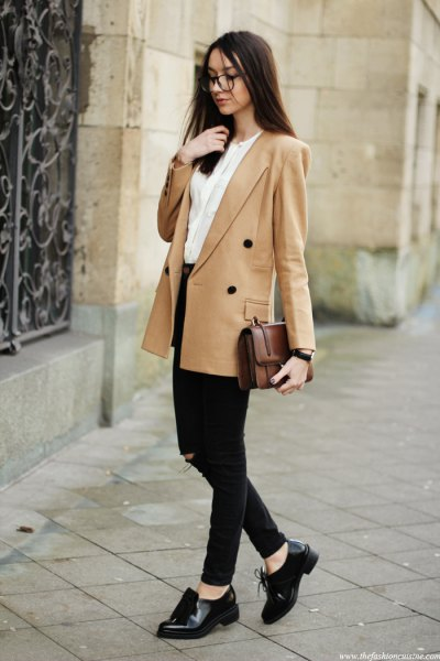 crepe double breasted blazer with white blouse black jeans