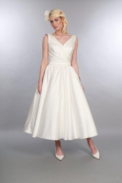 white v neck maxi 1950s style maxi swing dress