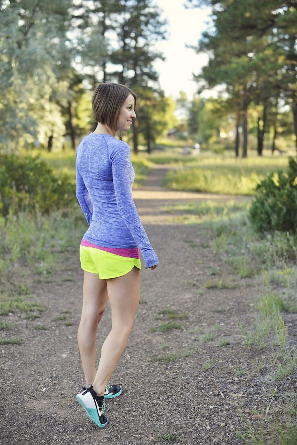 79a5ed6d21d7 How to Wear Running Shorts  15 Sporty Outfit Ideas for Women - FMag.com