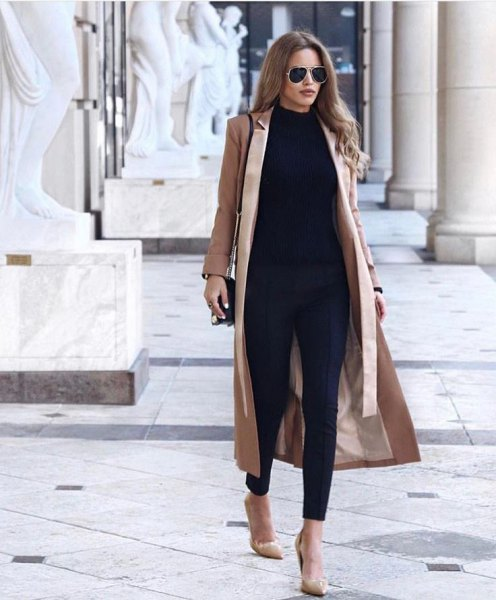 blush pink maxi coat with black sweater and skinny jeans