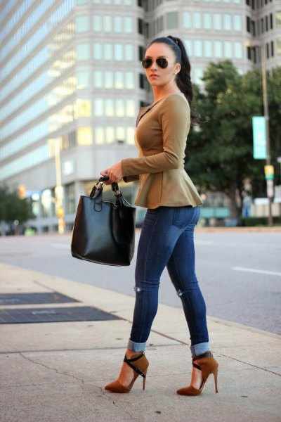blush pink peplum blazer with cuffed skinny jeans