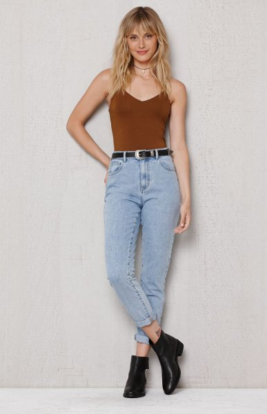 burgundy camisole with vintage high waisted jeans