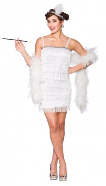 white mini flapper dress with faux fur scarf draped over shoulders