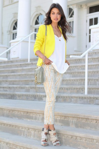 white scoop neck top and pink printed cropped pants