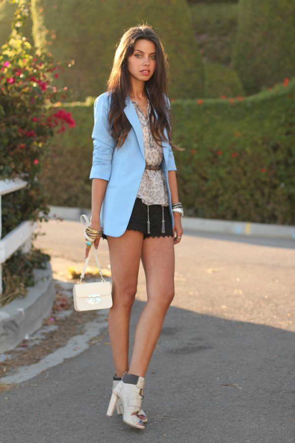light blue blazer outfit ideas for women