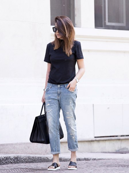 black t shirt with cuffed boyfriend jeans and slide sandals
